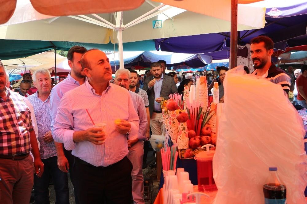 Bakan Çavuşoğlu Pazar esnafını dinledi