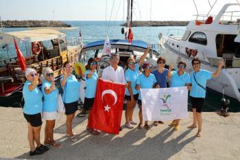 Barışa yelken açan kadınlar Side'de