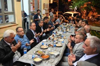 Başkan Böcek, Geyikbayırı'nda iftar yemeğine katıldı