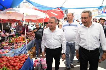 Başkan Böcek'e Kepez'de yoğun ilgi