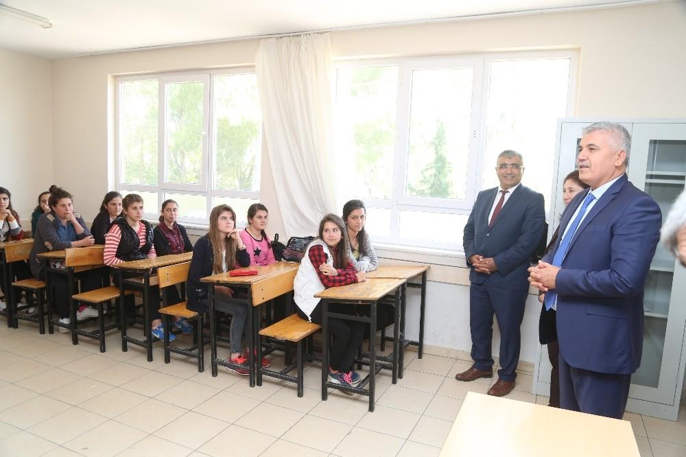 Başkan Çalık, sınava girecek öğrencilere başarılar diledi