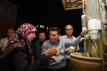 Başkan Tütüncü, Ramazan'da bin evi ziyaret ederek, vatandaşlarla bir araya geldi