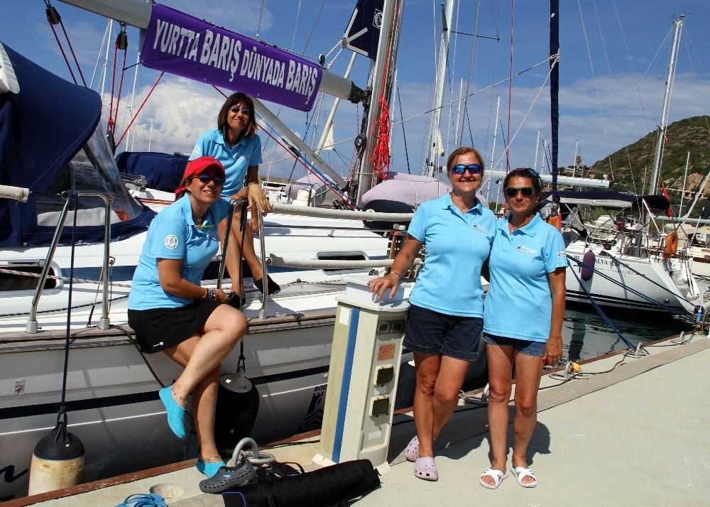 Bodrum'dan barış için yelken açan 4 kadın Alanya'da mola verdi