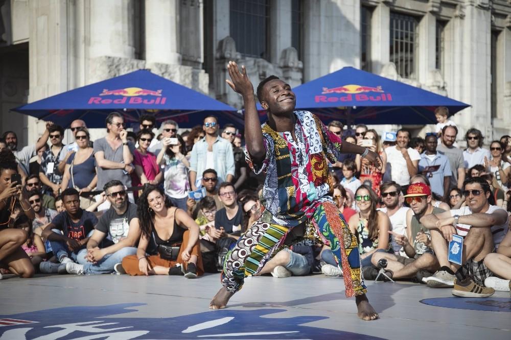 Dans türlerinin yarıştığı Red Bull Dance Your Style bu pazar Antalya'ya geliyor