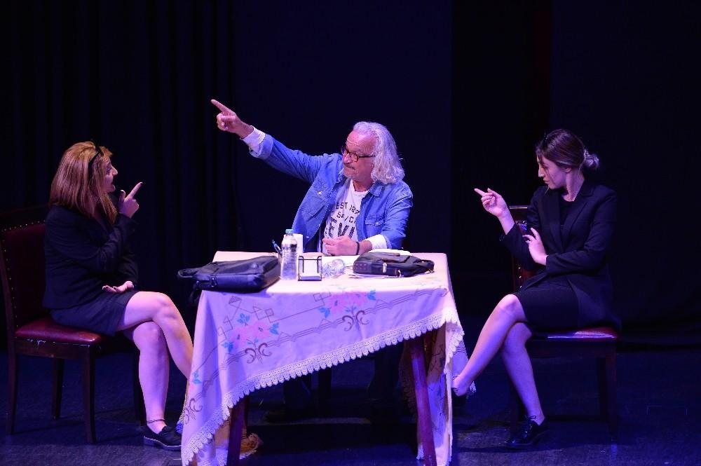 Eğitim Merkezleri tiyatro oyunuyla sahnede