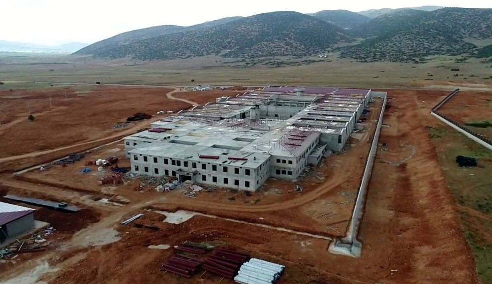 Elmalı'da 2 bin 300 mahkum kapasiteli 2 cezaevinin inşaatı sürüyor