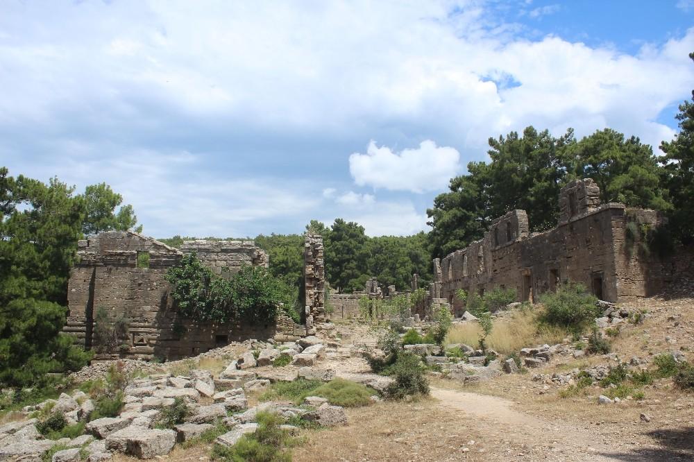 Manavgat Seleukeia Antik Kenti, kaderine terk edildi