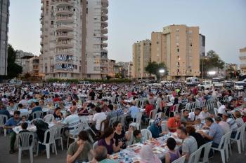 Muratpaşa iftarlarında mahalleler buluşuyor