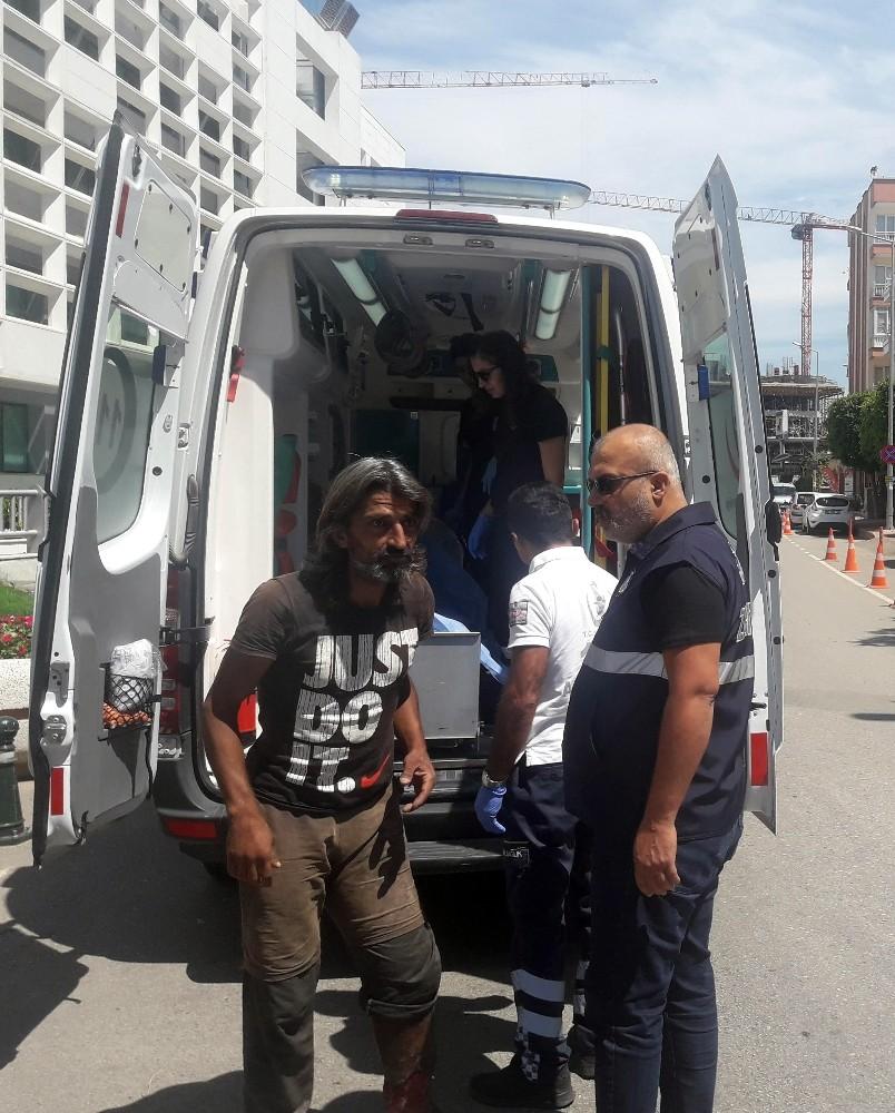 Sokaklardaki yaralı dilencilere özel sağlık hizmeti