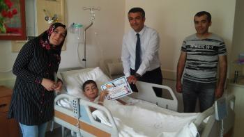 Sünnet olan çocuklara 'cesaret diploması'