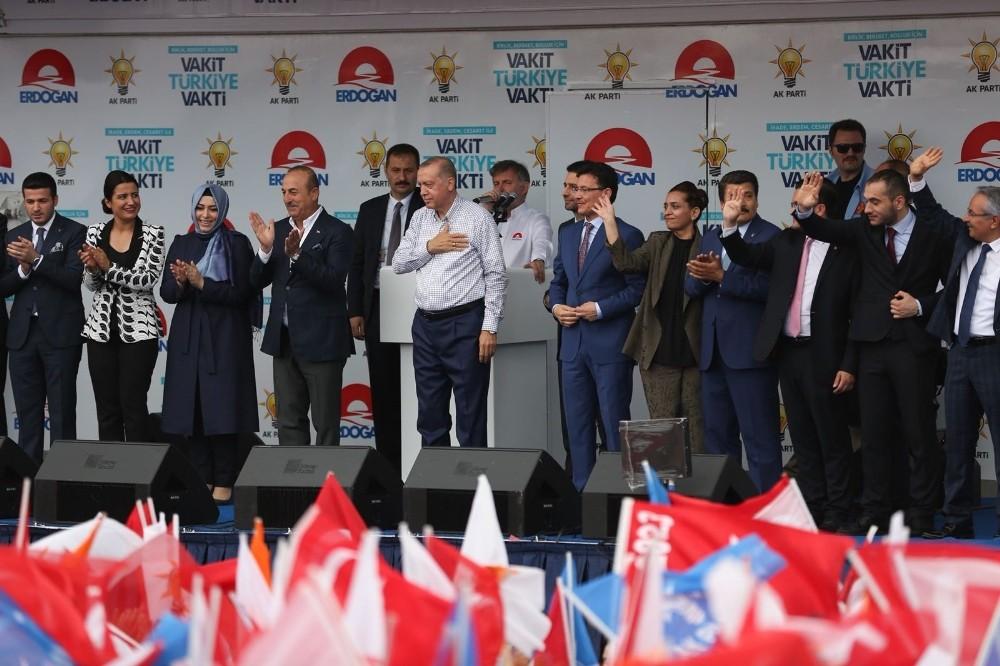 Taş'tan Antalyalılara miting teşekkürü