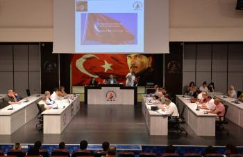 Türkan Şoray'ın adı Muratpaşa'da kültür merkezine verildi