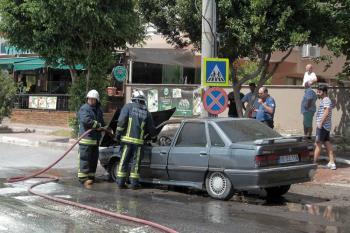 15 gün önce aldığı otomobili yandı
