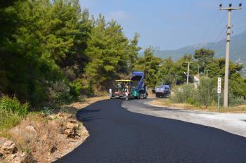 Alanya Oba Stadyumu yoluna sıcak asfalt