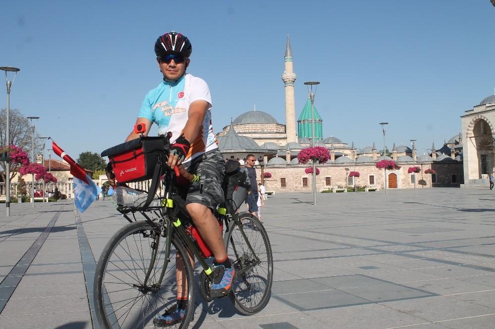 Alanya'dan Sultan Alaaddin'i anmak için bisikletle Konya'ya geldi