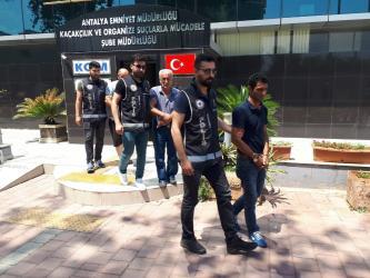 Antalya'da aranan 17 kişi yakalandı