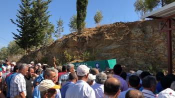 Antalya'da trafik kazasında ölen 4 kişi toprağa verildi