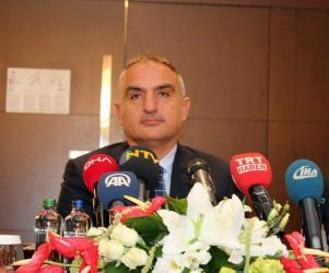 """Bakan Ersoy, """"Turizmde yüzde 30'luk artış"""" (1)"""