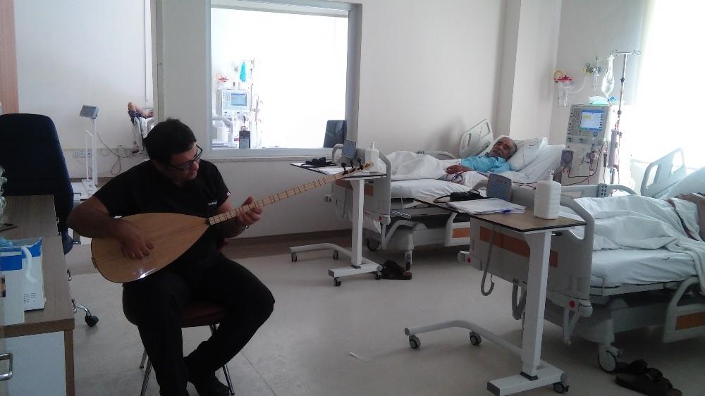 Diyaliz Hastalarına Müzik Dinletisi İle Destek