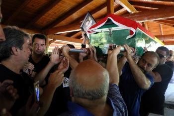 Dominik'te öldürülen kameraman Alper Baycın gözyaşları arasında toprağa verildi