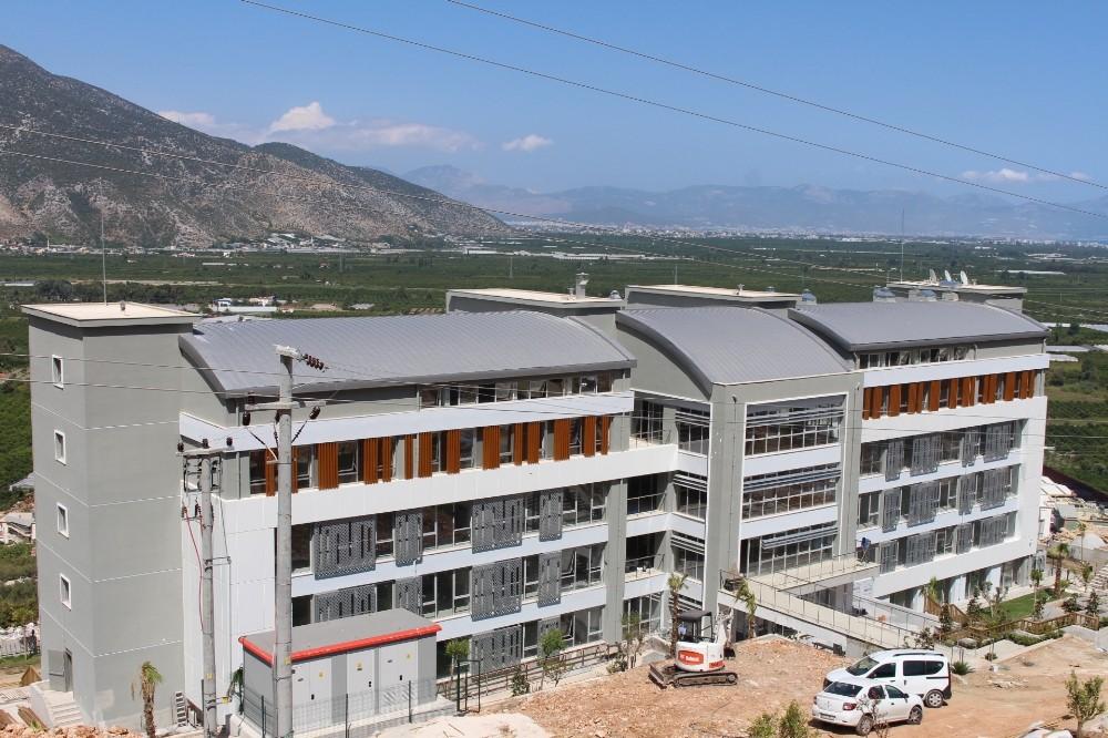 Finike Çocuk ve Gençlik Evi inşaatı tamamlandı
