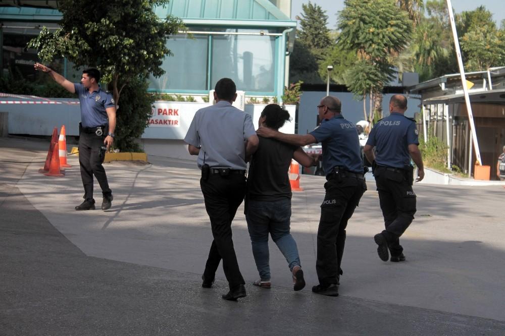 Hastane önünde şüpheli çanta ve kadın paniği