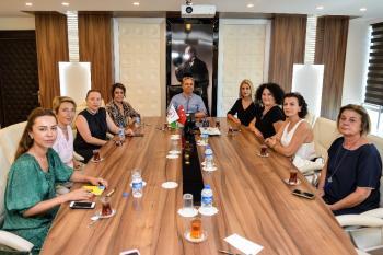 Kadın girişimcilerden Başkan Uysal'a ziyaret