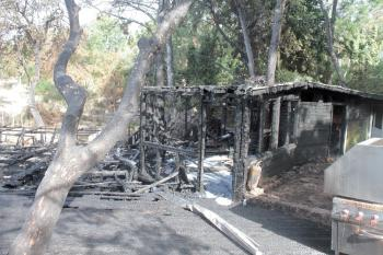 Kafe yangınında zarar 1 milyon lira