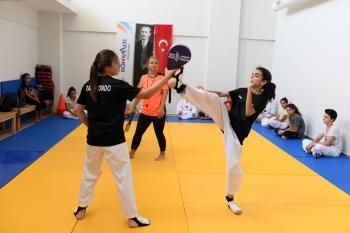 KONSEM Yaz Okulu'nda teakwondo kursu