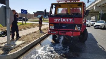Manavgat'ta itfaiye ile hafif ticari araç çarpıştı: 3 yaralı
