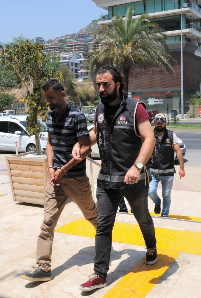 Mersin'de aranıyordu, Alanya'da yakalandı