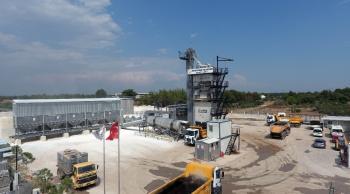 Muratpaşa 2 yılda 417 bin ton asfalt üretti