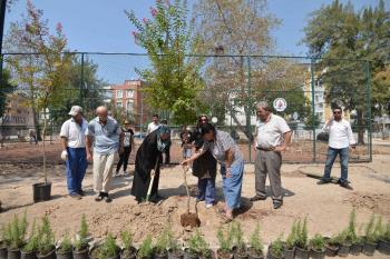 """Muratpaşa'da """"Parklarımızı birlikte yapıyoruz"""" projesi"""