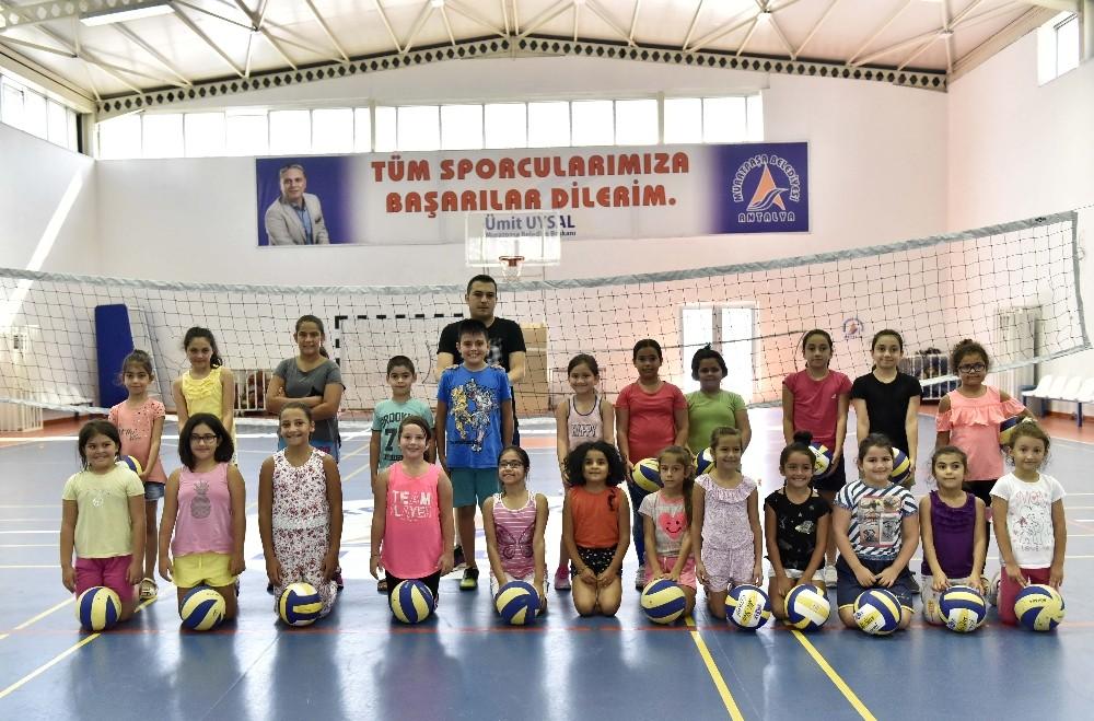 Muratpaşa'da sporla dolu bir yaz