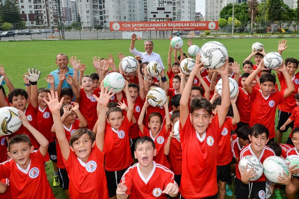 Muratpaşa'nın genç yetenekleri sahaya çıkıyor
