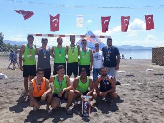 Plaj Hentbolu Şampiyonu Akdeniz Üniversitesi