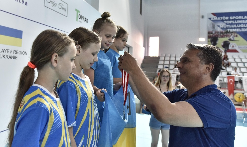 Synchro Cup-Muratpaşa sona erdi
