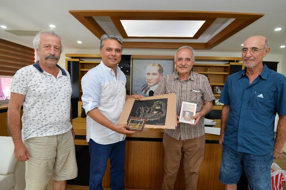 Topçu Yüzbaşı Mustafa Ertuğrul için saygı geçişi