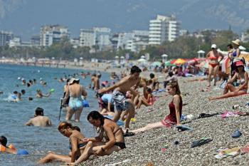 Turizmin başkenti Antalya yılın en yüksek sıcaklığını hissedecek