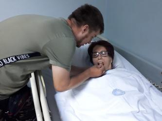 Vefalı gencin felç geçiren annesinin tedavisine başlandı