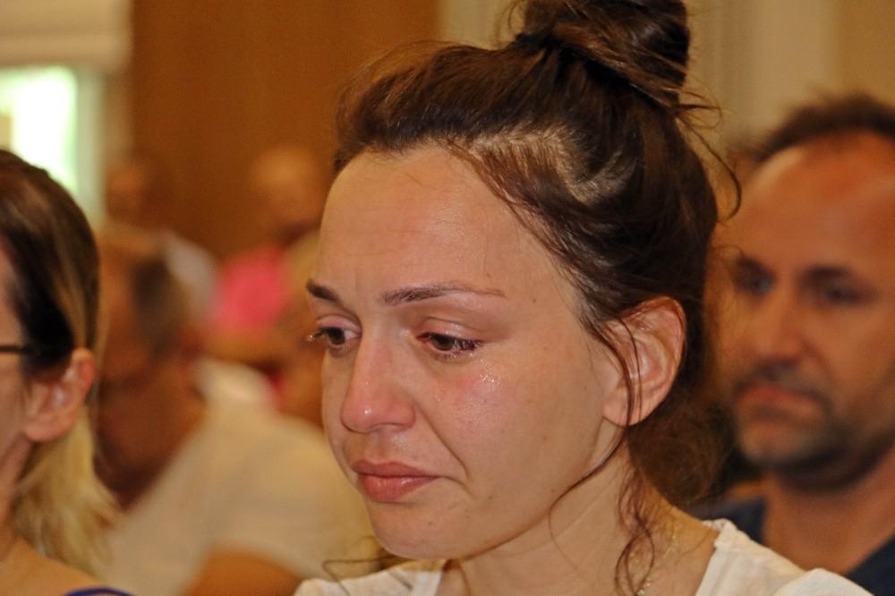Yanan fabrikanın sahibi ile çalışanları gözyaşlarına boğuldu