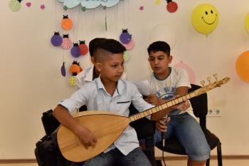 Zeytinköy'ün çocukları sertifikaların aldı