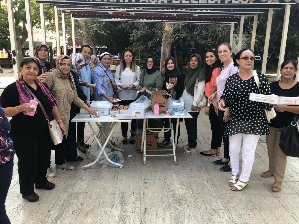 AK Kadınlar büyük zaferi kutladı