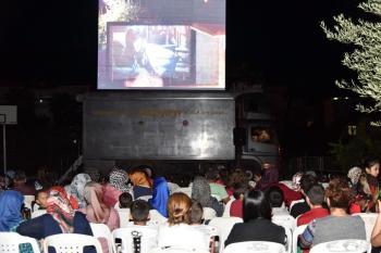 Alanya'da gezici açık hava sineması gösterime başladı