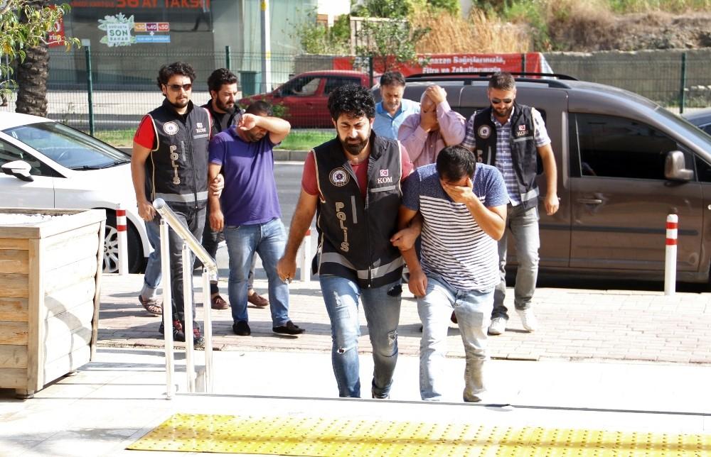 Alanya'da tefeci operasyonunda gözaltına alınanlar adliyede