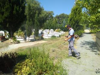 Antalya Büyükşehir Belediyesi'nden Mezarlıklara kurban bayramı bakımı
