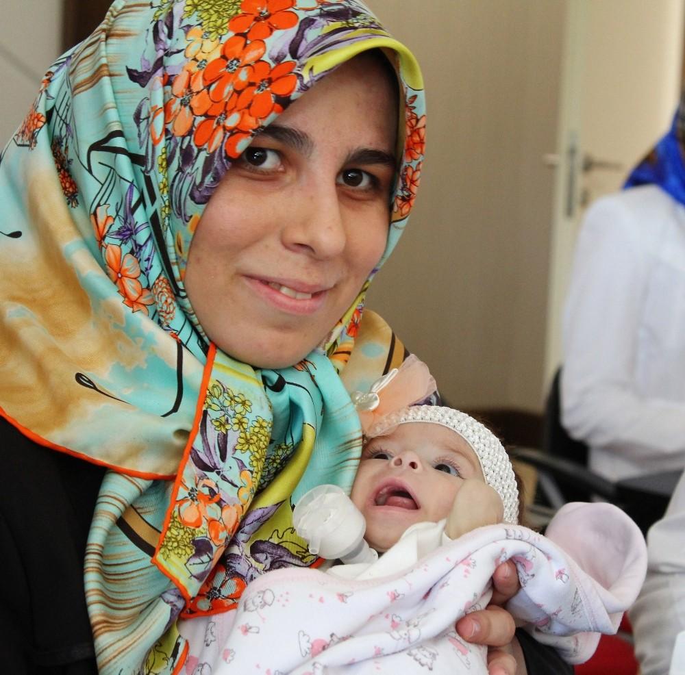 Antalya'da 2.8 kilo ağırlığındaki 6 aylık bebeğe 100 gramlık karaciğer nakli
