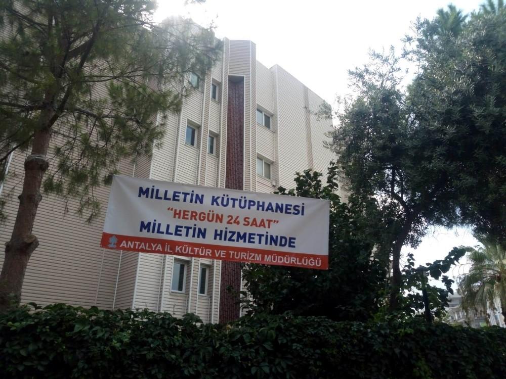 Antalya'da 'Milletin Kütüphanesi'nde 24 saat hizmet