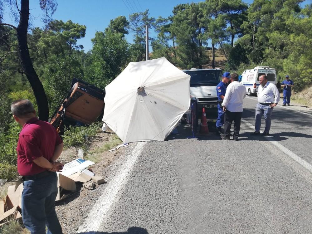 Antalya'da safari minibüsü devrildi: 1 Çek turist öldü, 8 yaralı