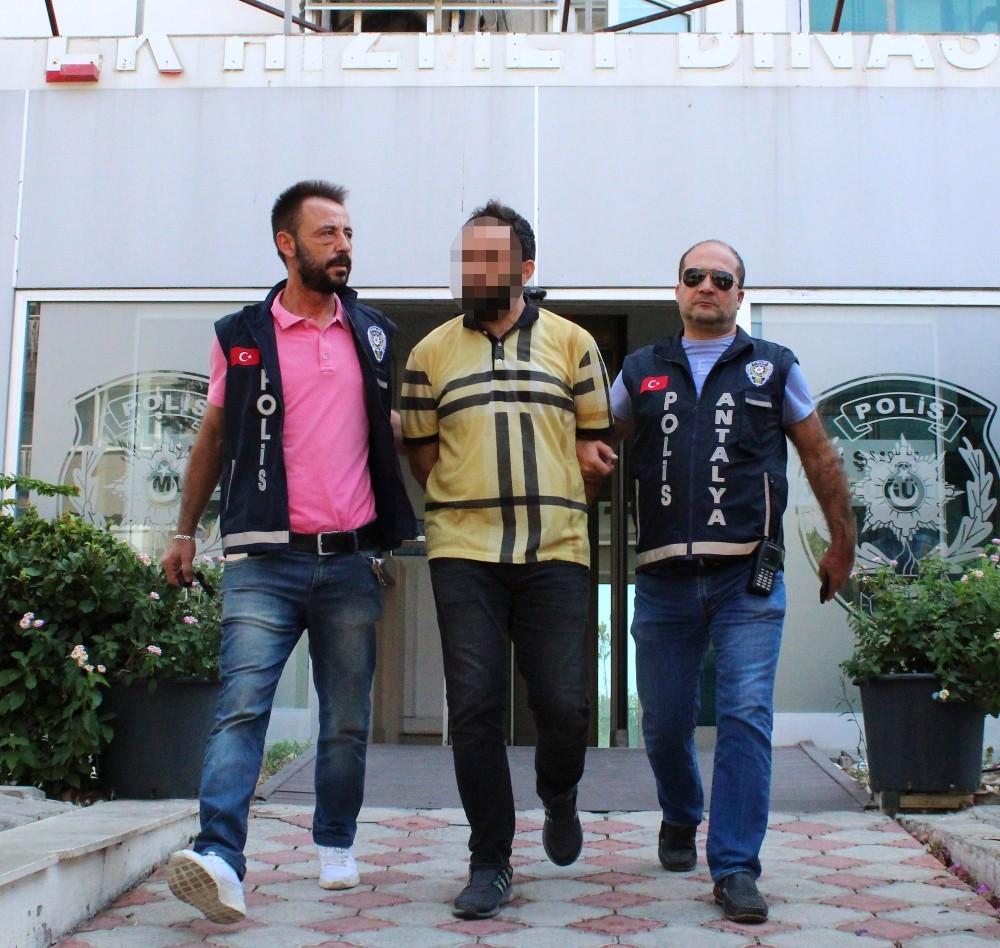 Antalya'da zabıt katibini öldüren zanlı yakalandı